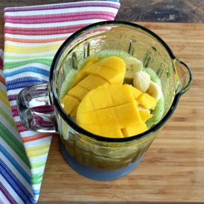 Perfect Vegan Green Smoothie recipe - step 2