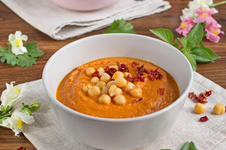 How to serve Vegan Tomato Chickpea & Coconut Soup