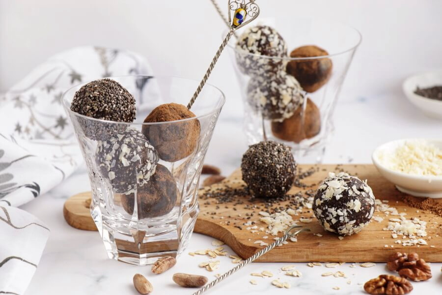 Walnut Bliss Balls with Chia, Coconut and Carob Recipe-Vegan Walnut Bliss Balls with Chia, Coconut and Carob-Delicious Walnut Bliss Balls with Chia, Coconut and Carob