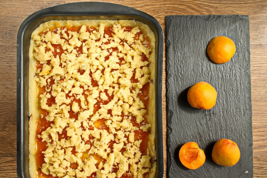 Winning Apricot Bars recipe - step 9