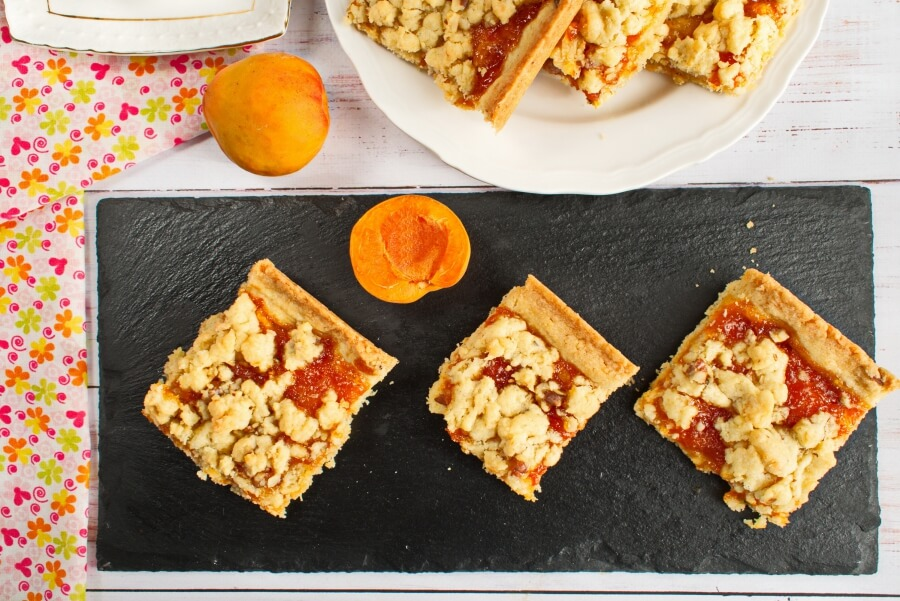 How to serve Winning Apricot Bars