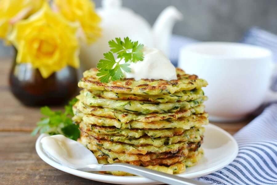 How to serve Crispy Zucchini Fritters
