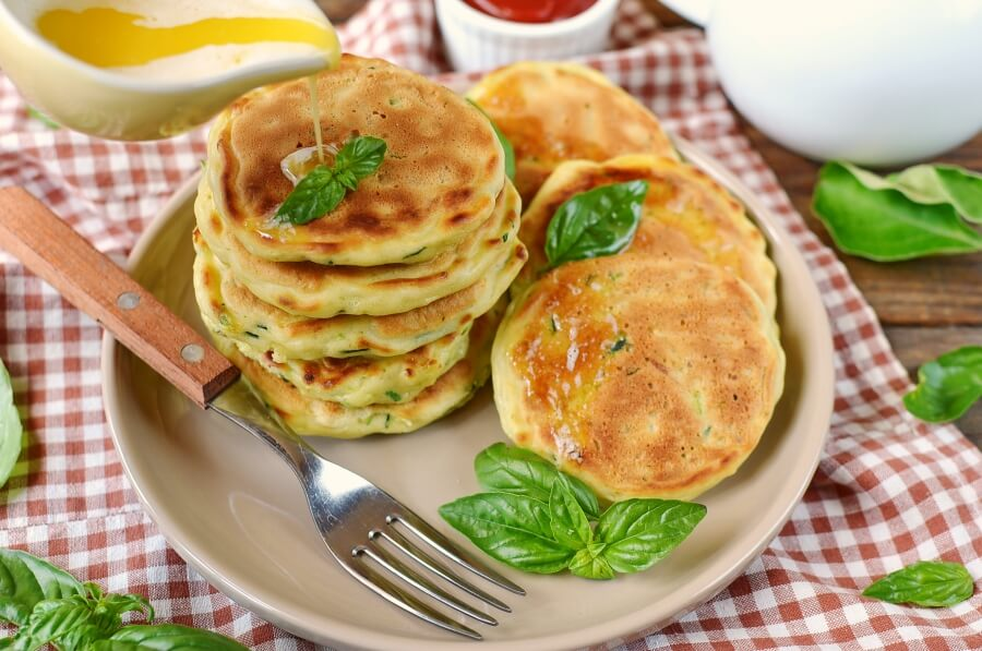 How to serve Zucchini Pancakes