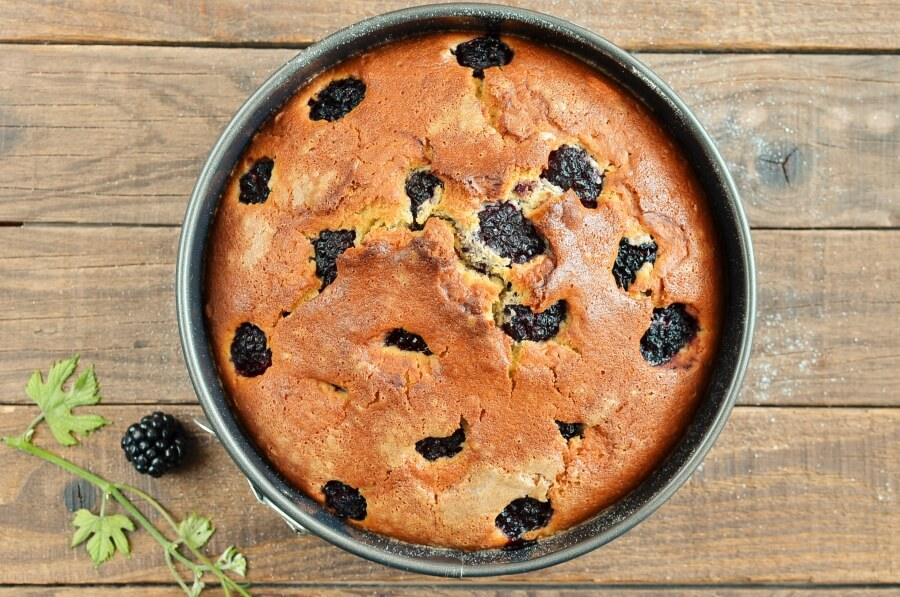 Blackberry Cake recipe - step 6