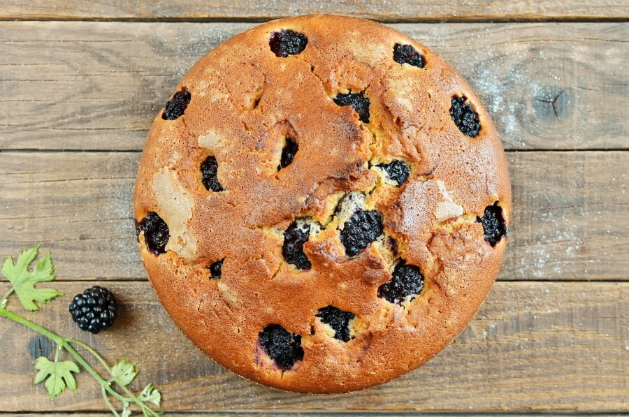 Blackberry Cake recipe - step 7