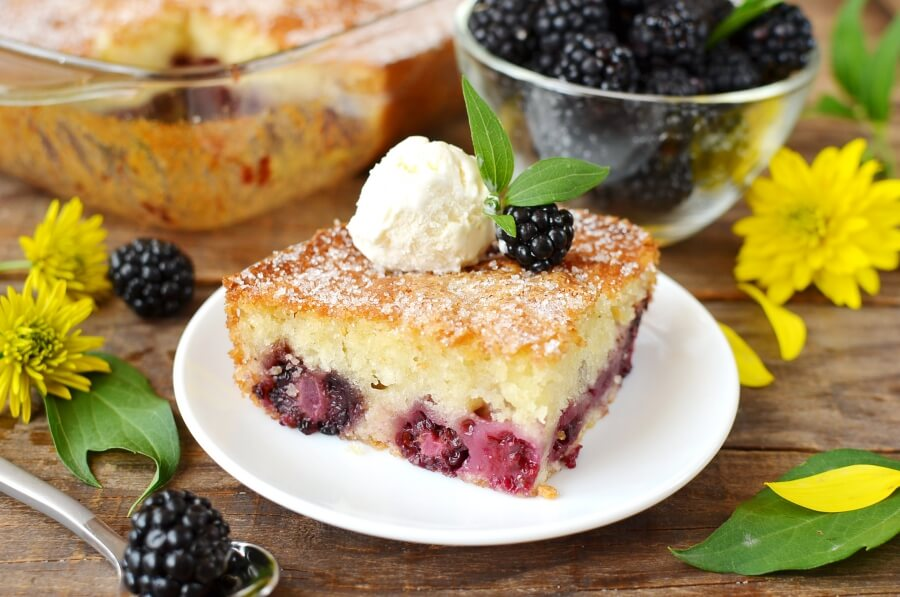 How to serve Blackberry Cobbler