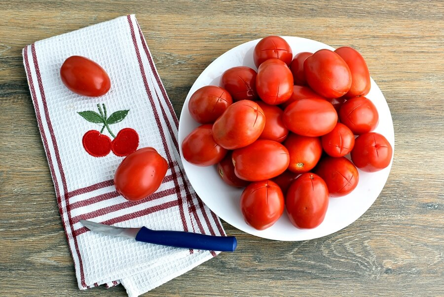 Canning Chopped Tomatoes recipe - step 2