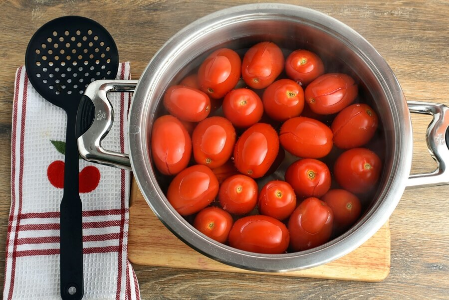 Canning Chopped Tomatoes recipe - step 3