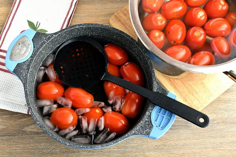 Canning Chopped Tomatoes recipe - step 4