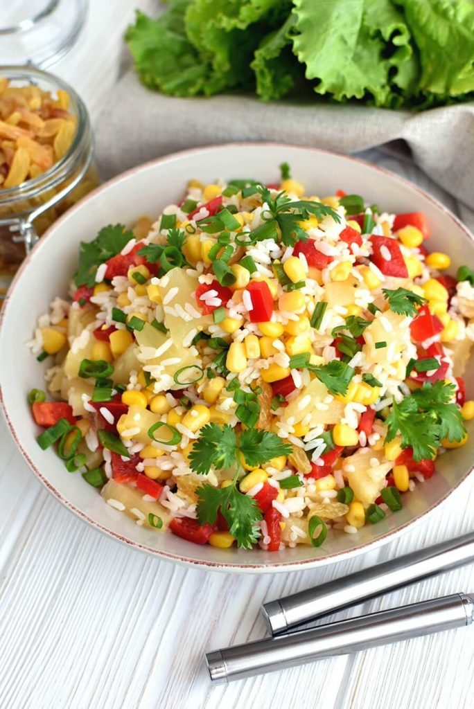 Rice salad with sweetness and crunch