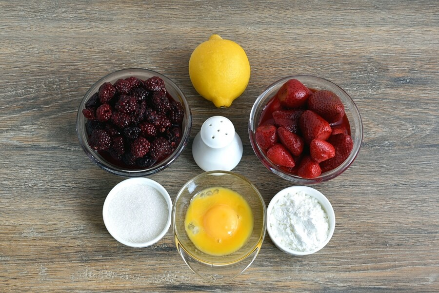 Ingridiens for Easy Strawberry Blackberry Pudding