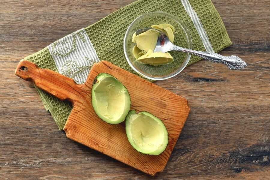 Keto Eggs Baked in Avocado recipe - step 1