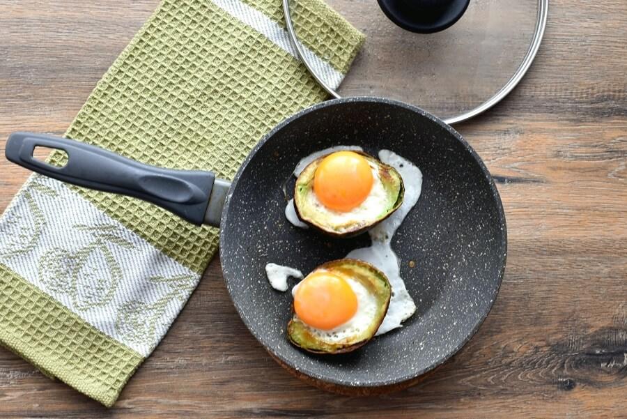 Keto Eggs Baked in Avocado recipe - step 6