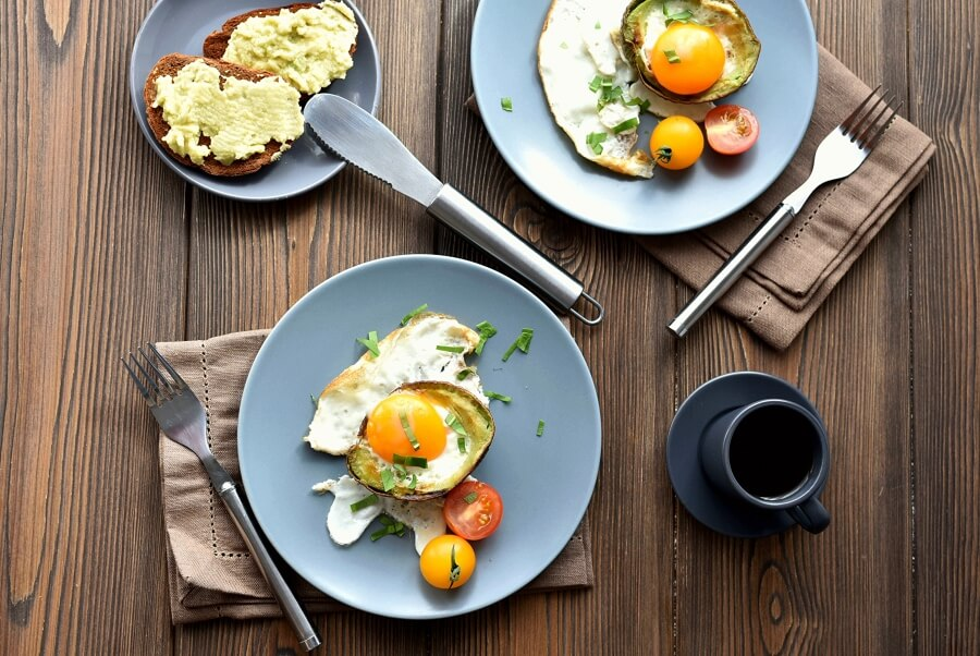 How to serve Keto Eggs Baked in Avocado