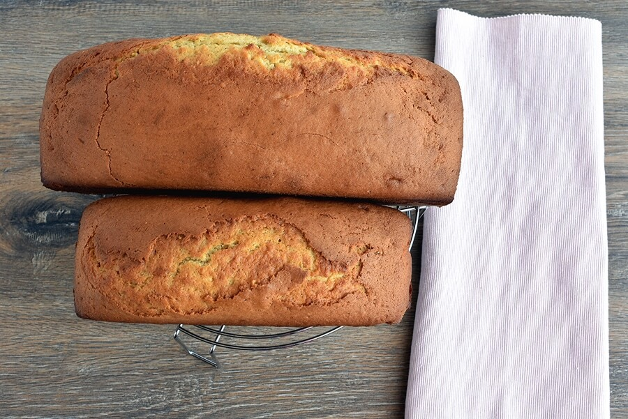Glazed Spiced Rum Pound Cake recipe - step 8