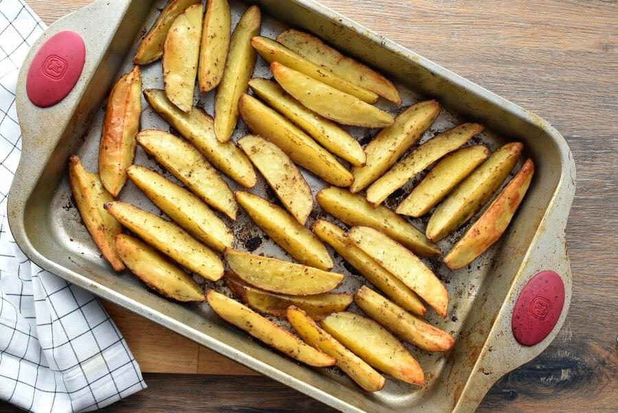 Greek Potato Wedges recipe - step 3