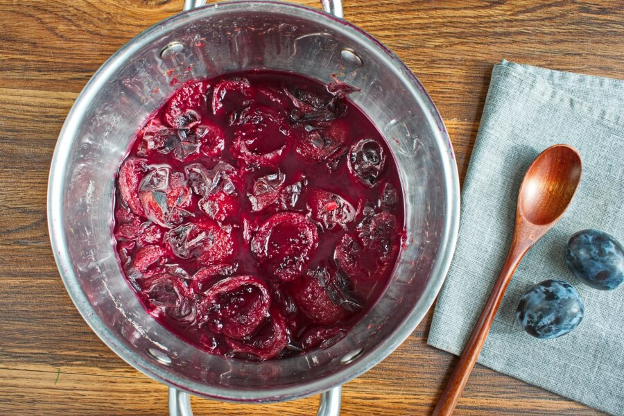 Homemade Plum Jelly recipe - step 2