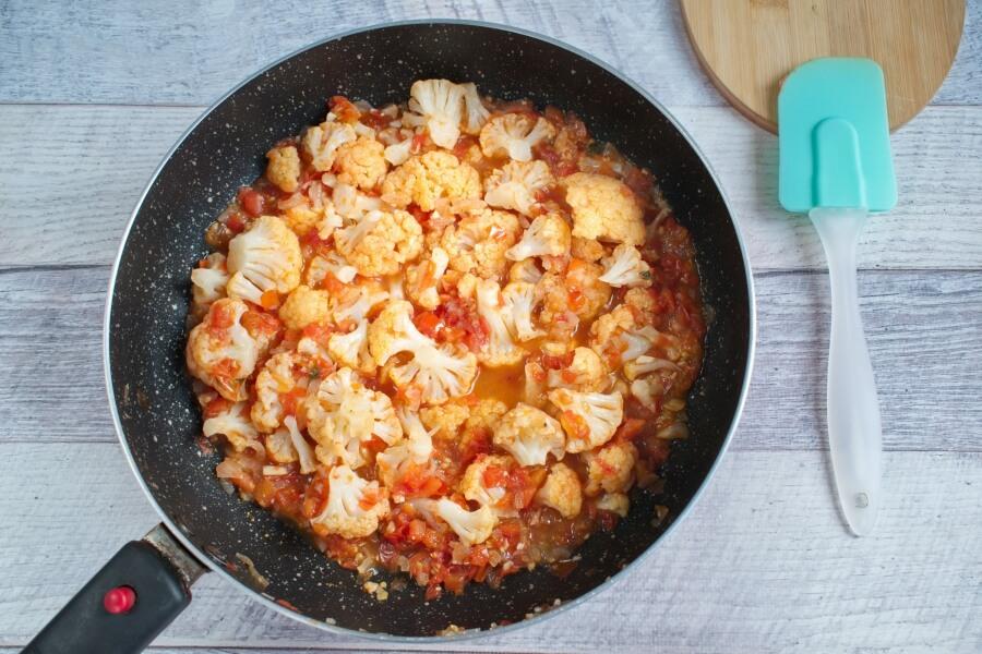 Middle Eastern Braised Cauliflower recipe - step 4