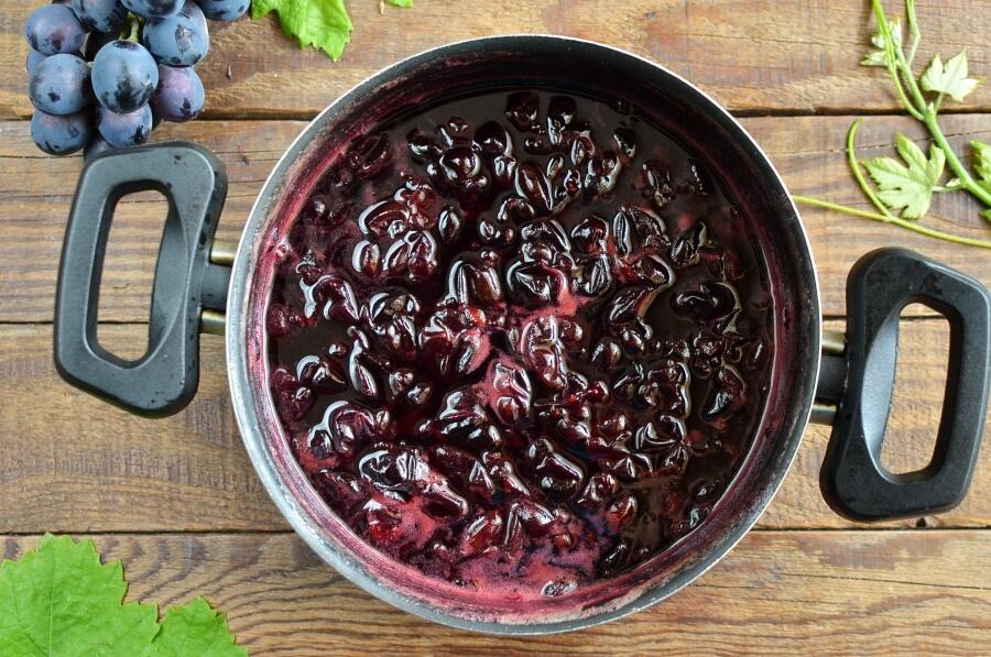 Old Fashioned Grape Jam recipe - step 4