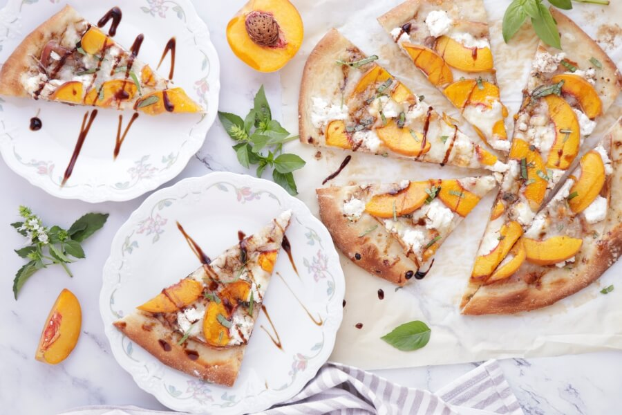 Peach and Prosciutto Pizza Recipe-Peach & Prosciutto Pizza with Balsamic Reduction-How to Make Peach & Prosciutto Pizza