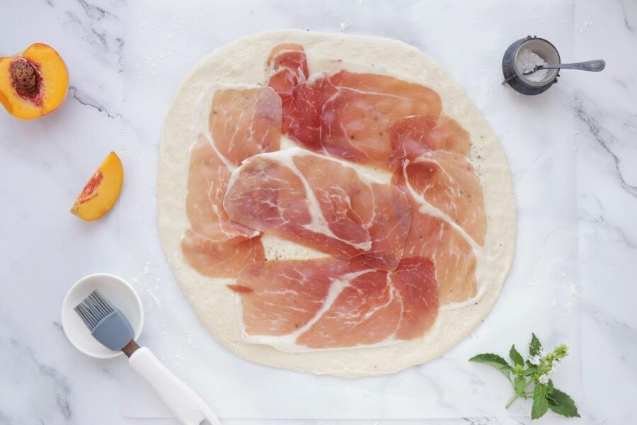 Peach and Prosciutto Pizza recipe - step 5