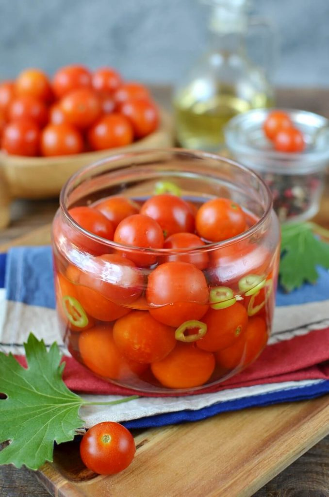 Authentically Thai Flavored Pickled Tomatoes