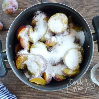 Plum Jam recipe - step 1