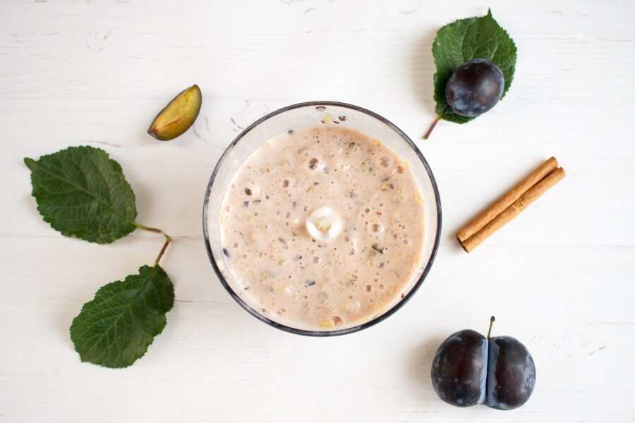 Vegan Plum Quinoa Smoothie recipe - step 2