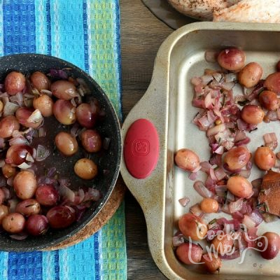 Roasted Chicken Grapes Rosemary recipe - step 6