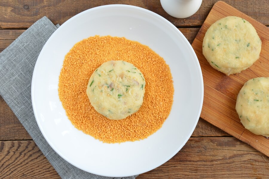 Simply Smashed Potato Cakes recipe - step 6