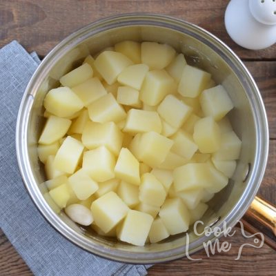 Simply Smashed Potato Cakes recipe - step 3