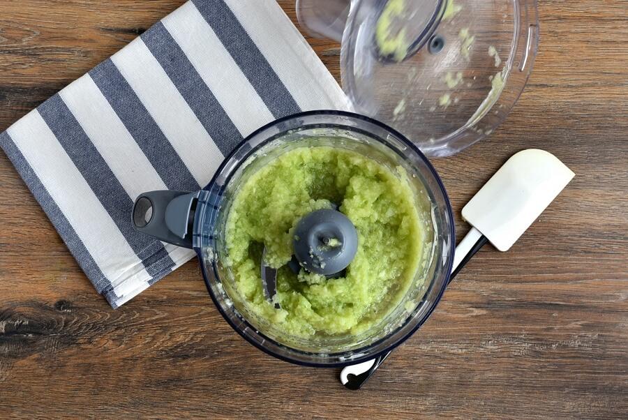 Keto Spicy Avocado-Cucumber Soup recipe - step 1