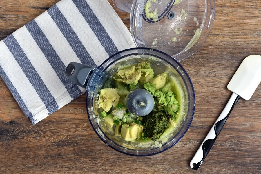 Keto Spicy Avocado-Cucumber Soup recipe - step 2