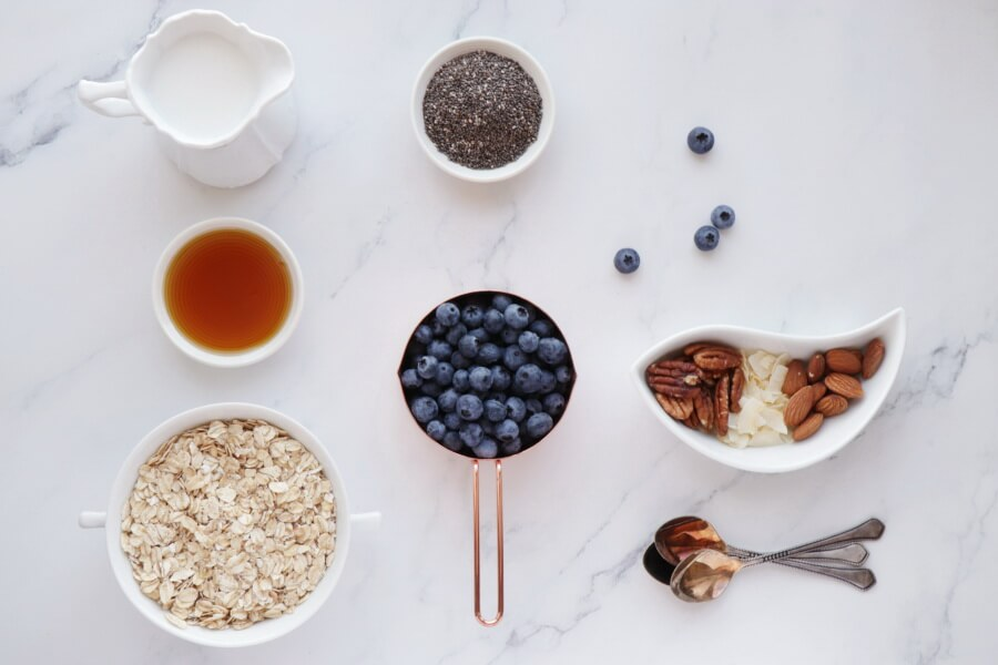 Ingridiens for 5 Ingredient Blueberry Chia Overnight Oats