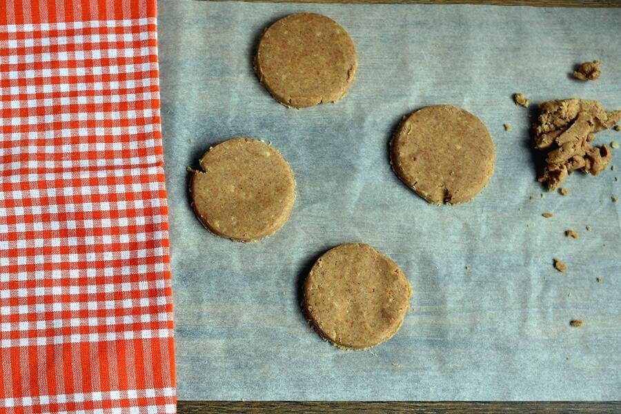 Almond Shortbread Owls recipe - step 6