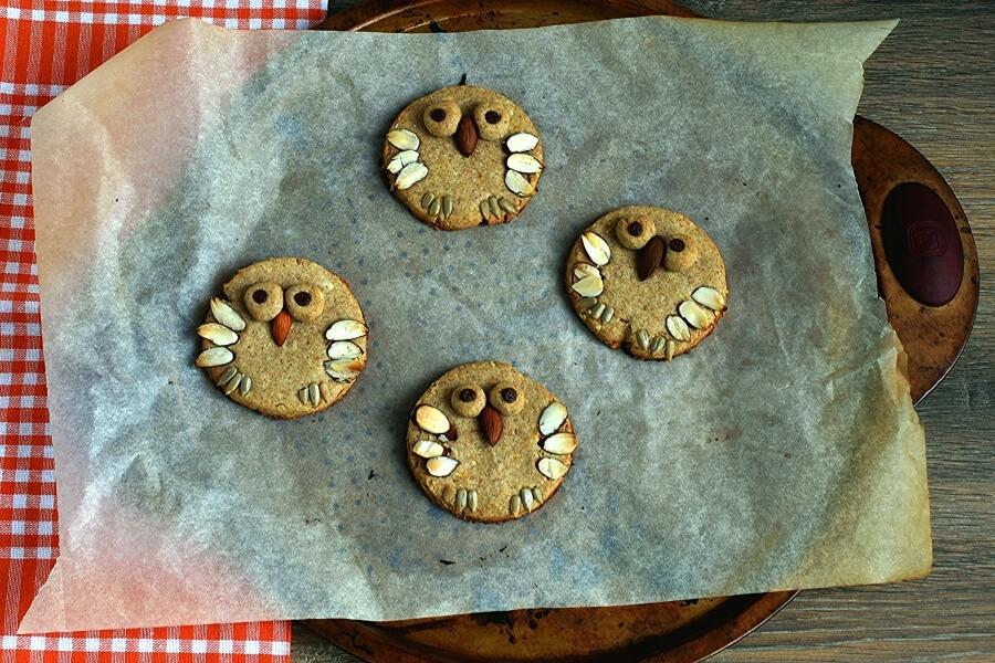 Almond Shortbread Owls recipe - step 8