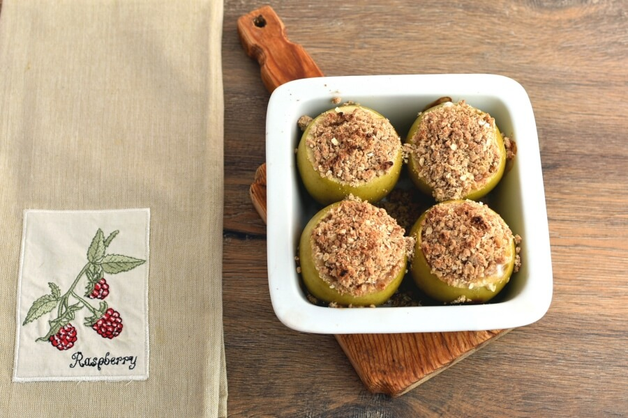 Apple Crisp Stuffed Baked Apples recipe - step 8