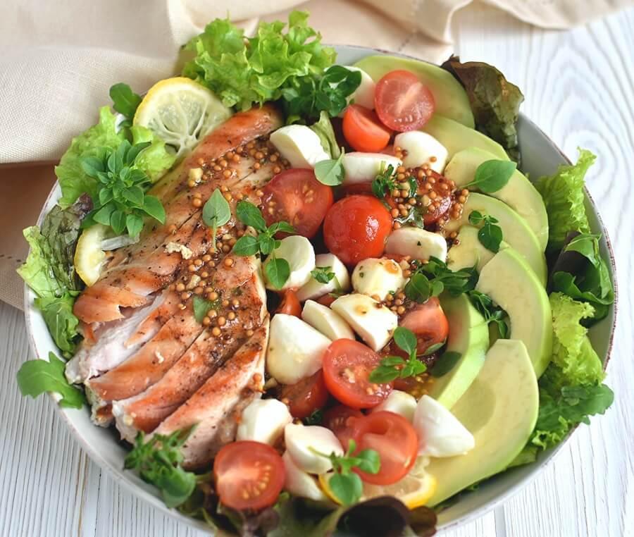 Avocado Caprese Chicken Salad with Balsamic Vinaigrette Recipe-How To Make Avocado Caprese Chicken Salad with Balsamic Vinaigrette-Delicious Avocado Caprese Chicken Salad with Balsamic Vinaigrette