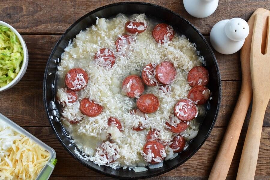 Gluten Free Cheesy Sausage Zucchini Rice Skillet recipe - step 4