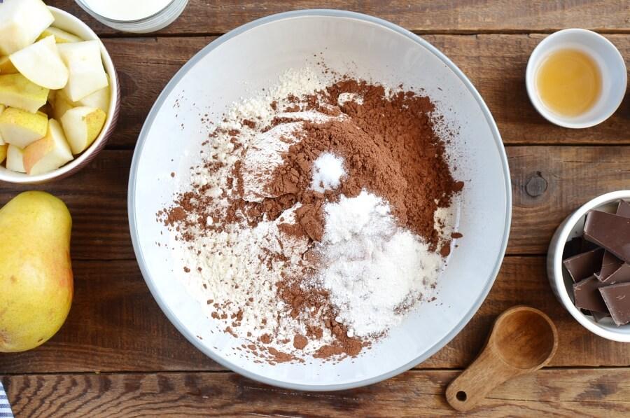 Chocolate Pear Cake recipe - step 2