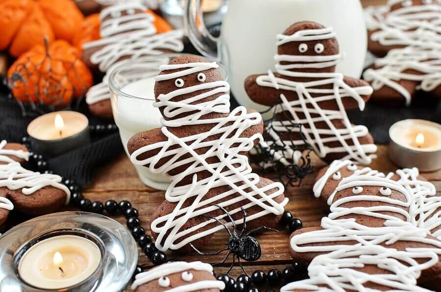 How to serve Chocolate Pumpkin Cut out Cookies