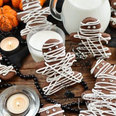 Chocolate-Pumpkin-Cut-Out-Cookies-Recipe-How-To-Make-Chocolate-Pumpkin-Cut-Out-Cookies-Delicious-Chocolate-Pumpkin-Cut-Out-Cookie