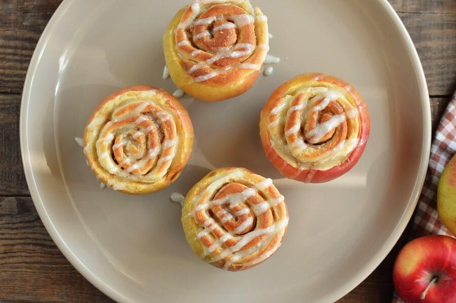Cinnamon Roll Stuffed Baked Apples recipe - step 10