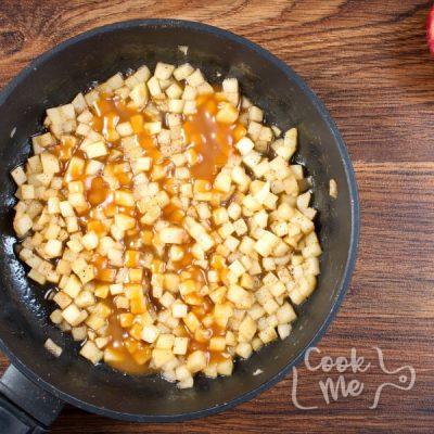 Easy Mini Caramel Apple Cheesecakes recipe - step 6