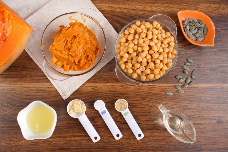 Ingridiens for Easy Pumpkin Hummus