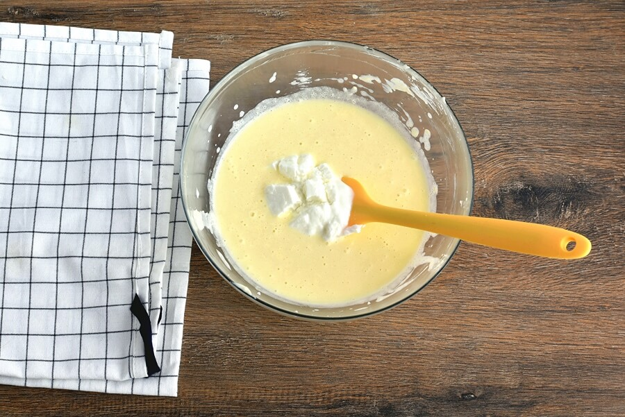 Fresh Apple-Pear Cupcakes recipe - step 5