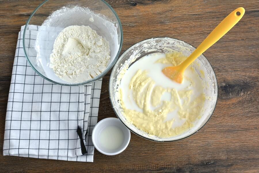 Fresh Apple-Pear Cupcakes recipe - step 6