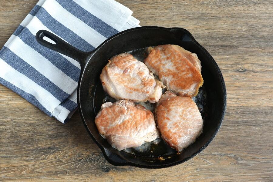 Garlic and Rosemary Pork Chops recipe - step 4