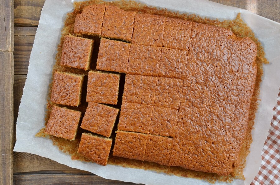 How to serve Ginger Sponge Cake