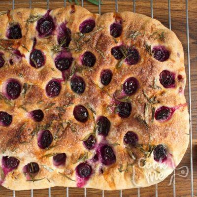 Grape Schiacciata recipe - step 11